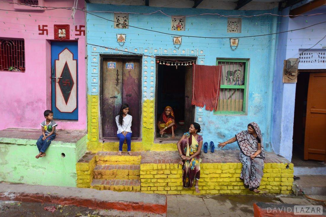 India photo streets of Varanasi