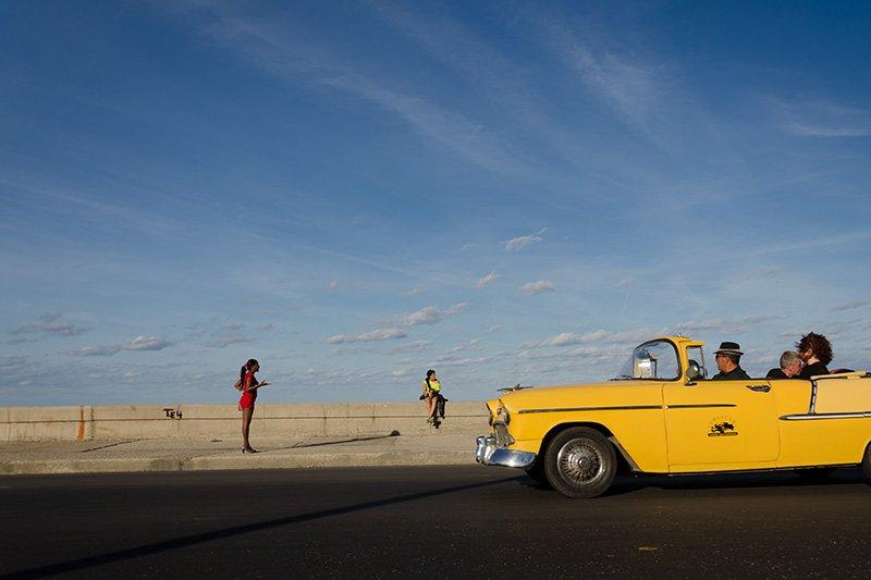 20. Yellow-taxi-Cuba_Luis-Alarcon