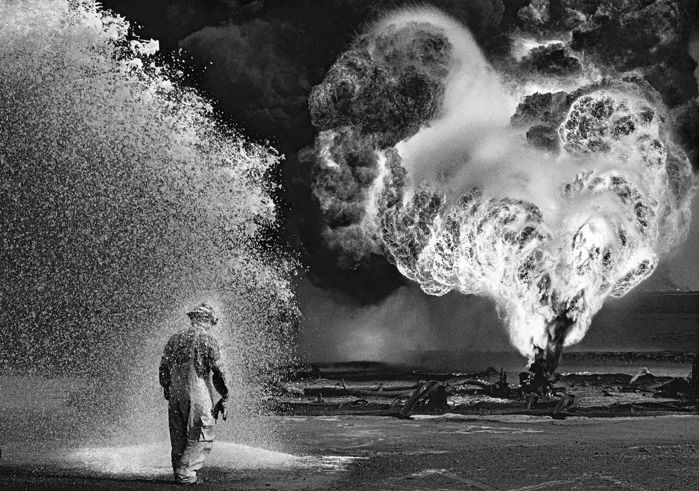 Stunning Salgado image of oil workers in Kuwait