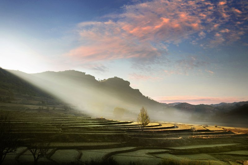 9. David-Lazar-Morning-Rays-alt=Beautiful David Lazar landscape in Myanmar, Burma