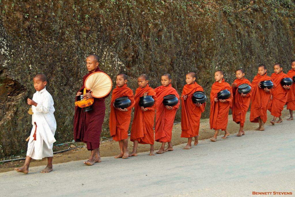Bennett-Stevens_Novices-alms-Mindat_Myanmar2