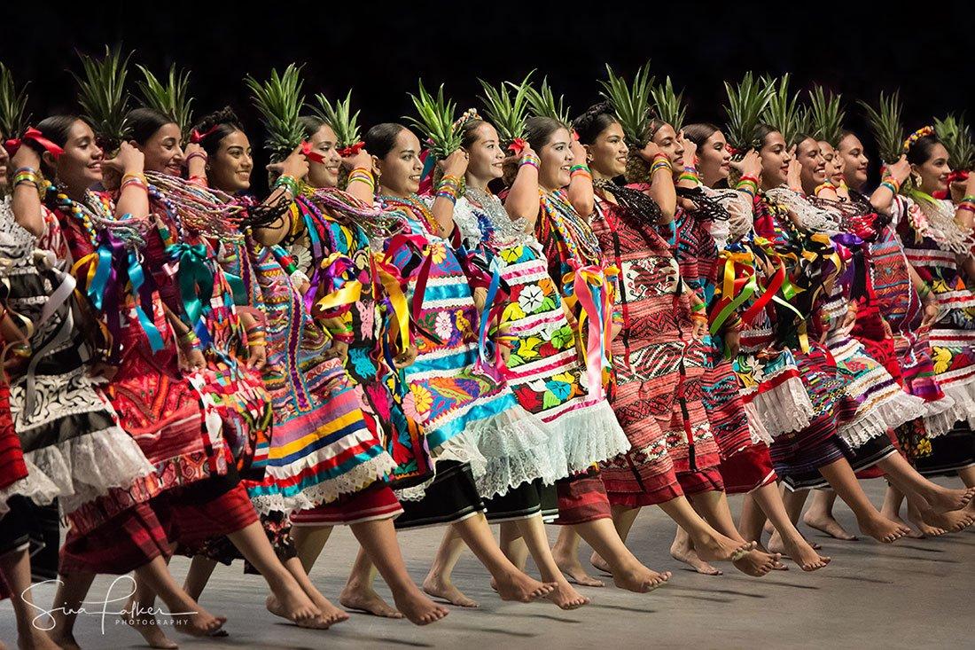 dance-flor-de-pina-oaxaca-mexico-sina-falker