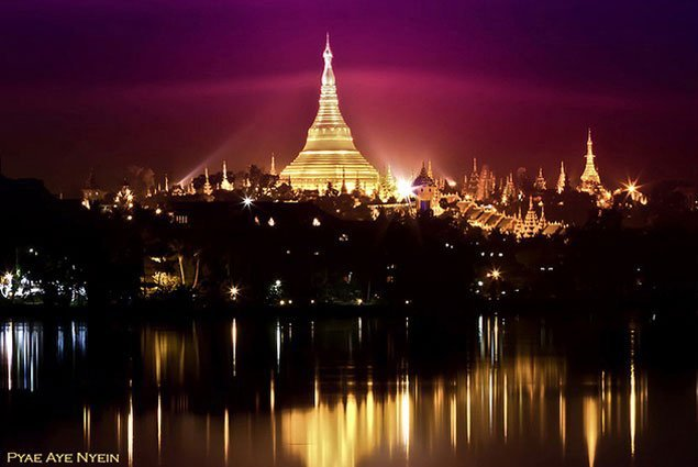 Burma-photo-tour_Shwedagon Pagoda with purple sunset