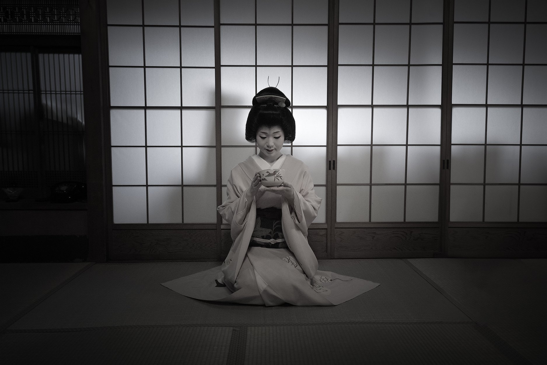 Geisha tea ceremony in Kyoto, part of a Japan photo tour