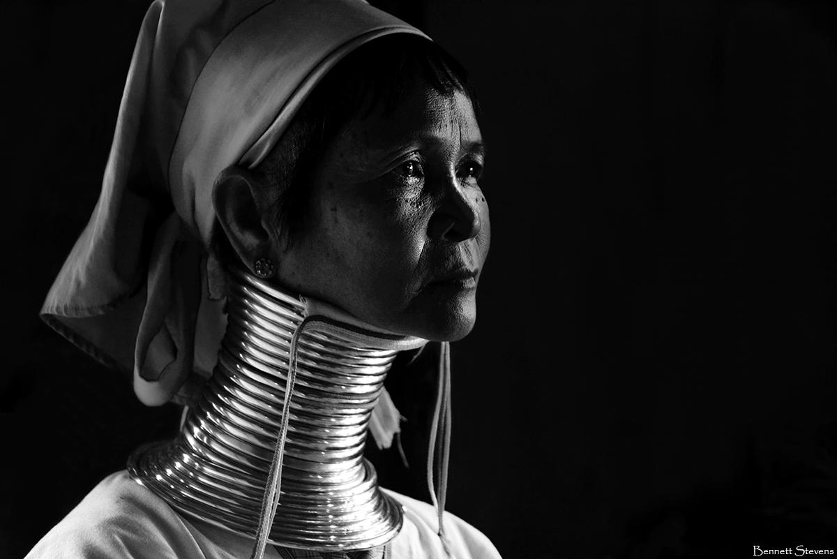 Myanmar photo workshop with vanishing Padaung