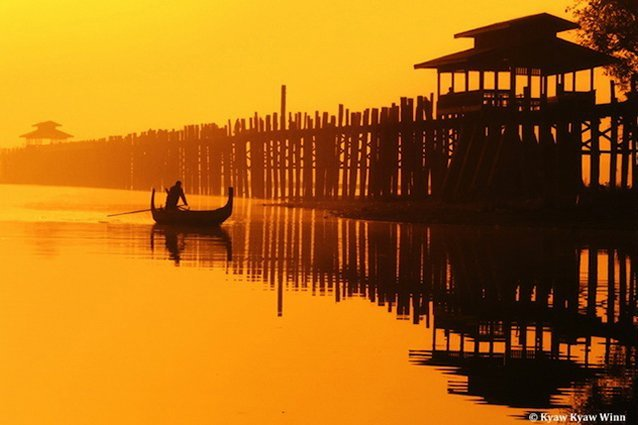 U Bein Bridge at sunrise, Myanmar photo tour