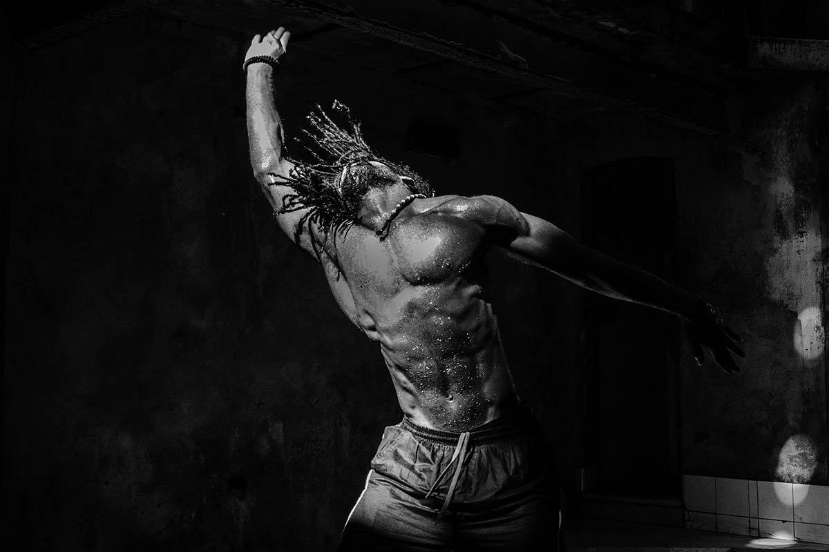 Black-Ballet_Cuba-photo-tour_Luis-Alarcon_Luminous-Journeys.jpg